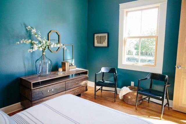 Tường phòng ngủ mang tông màu mát, thích hợp với khí hậu nóng quanh năm của Texas.