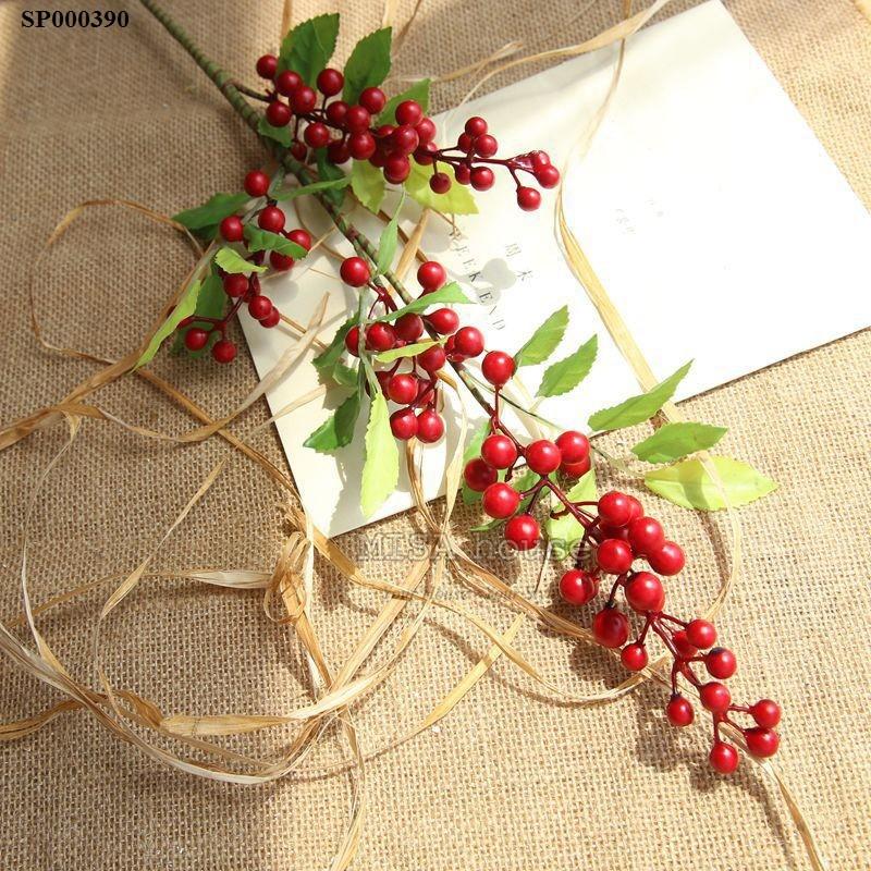 Cành đông đào đỏ mang ý nghĩa giàu sang may mắn - hoa giả trang trí nhà đẹp