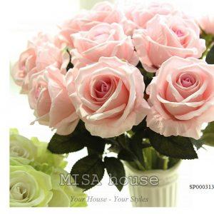 Cành hoa hồng nhung - hoa cao cấp màu hồng phấn nhẹ nhàng