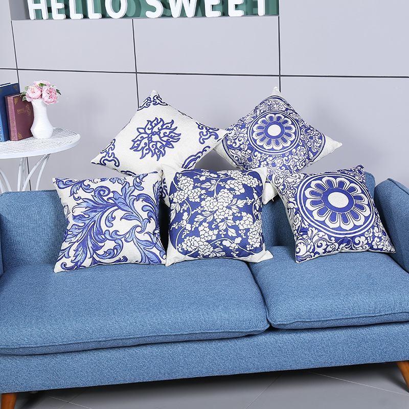 Bộ gối sofa xanh họa tiết thổ cẩm đẹp trang trí phòng khách