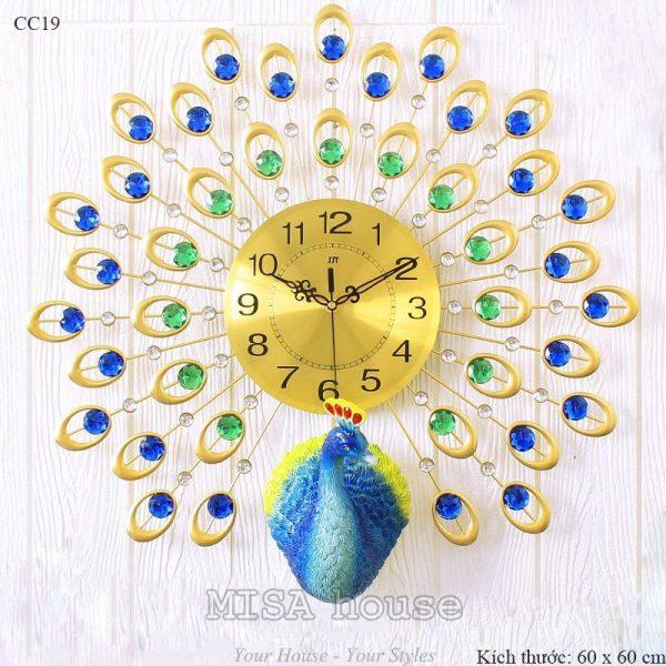 Đồng hồ treo tường phòng khách cao cấp hình công đính hạt xanh