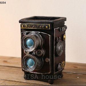 Máy ảnh vintage đựng bút - đồ trang trí phong cách vintage