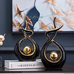 Quà tặng tân gia ý nghĩa - tượng trang trí cao cấp hiện đại hình đuốc lửa đen viền vàng ngụ ý hãy luôn giữ ý chí tỏa sáng rực rỡ