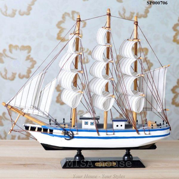 """Thuyền trắng xanh trang trí tủ kệ - trang trí shop """" thuận buồm xuôi gió"""" - quà tặng khai trương ý nghĩa"""