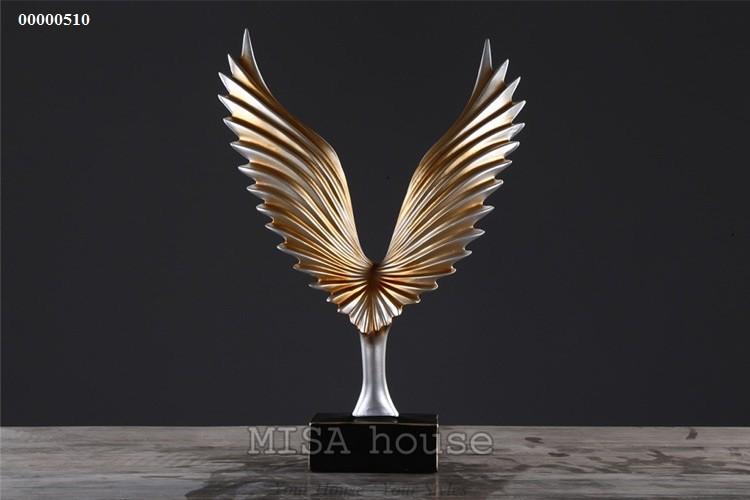 Chi tiết mặt sau chim đại bàng lửa vàng cao cấp trang trí tủ kệ đẹp sang trọng -quà tặng tân gia