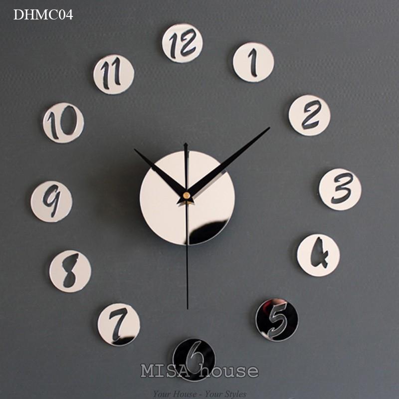 Đồng hồ mica dán tường trang trí phòng số đơn giản màu bạc phản quang hiện đại