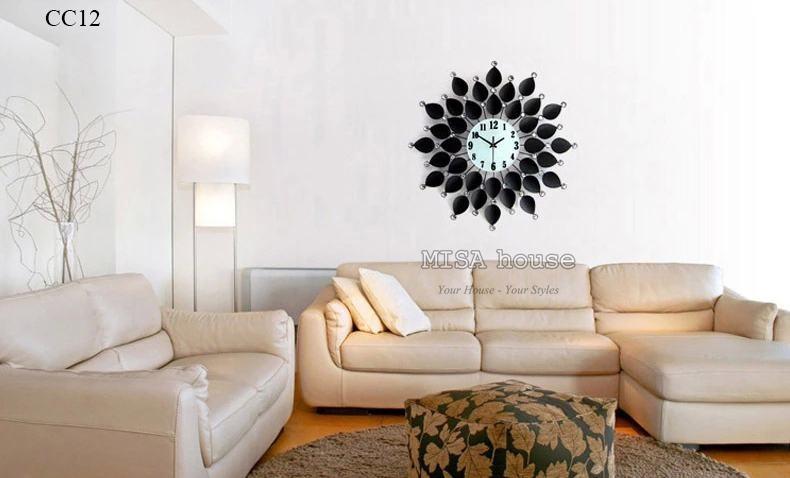Đồng hồ treo tường cánh hoa đen trang trí phòng khách