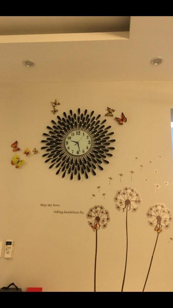 Hình khách review đồng hồ treo tường giọt nước đen nghệ thuật trang trí ( size lớn 70cm)