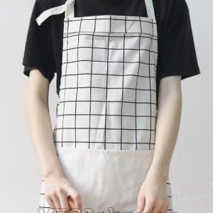Tạp dề đeo nấu ăn màu trắng đen caro hiện đại