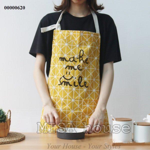 Tạp dề đeo nấu ăn màu vàng Make me smile xinh