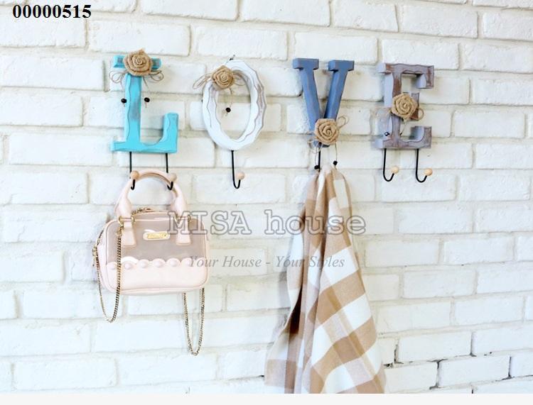 Móc treo đồ chữ Love gỗ vintage cách điệu đẹp – trang trí tường đẹp