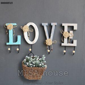 Móc treo đồ chữ Love gỗ vintage cách điệu đẹp - trang trí tường đẹp