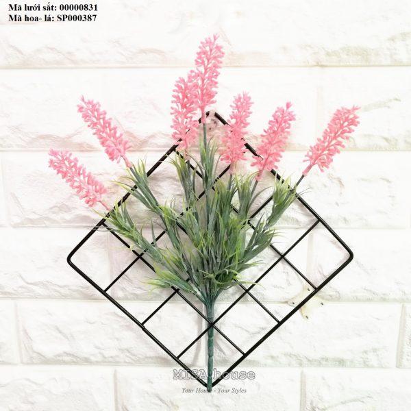Lưới sắt kèm hoa lavender hồng -hoa oải hương màu hồng treo tường trang trí nhà, quán cafe, cửa hàng đẹp độc đáo