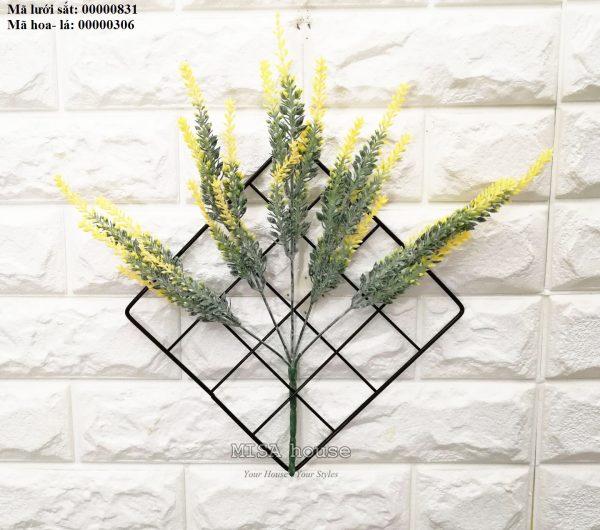 Lưới sắt kèm hoa lavender màu vàng -hoa oải hương màu vàng treo tường trang trí nhà, quán cafe, cửa hàng đẹp độc đáo