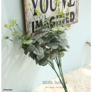 Cành lá xanh giả đẹp trang trí cây lá bạch đàn giả màutrắng phối cắm hoa hồng - hoa giả đẹp cao cấp giá rẻ tại TPHCM