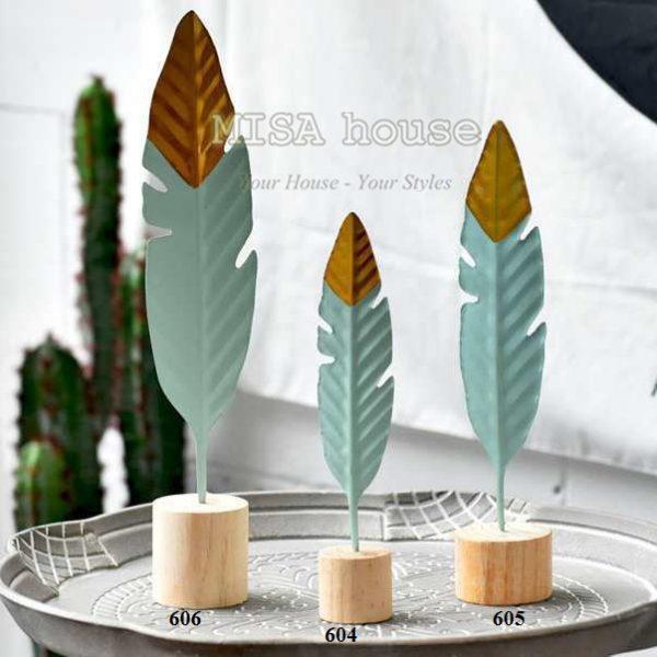 Đồ trang trí bàn decor trang trí tủ kệ phòng khách đẹp độc lạ – Bộ 3 cây lông vũ sắt – quà tặng tân gia