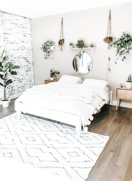 Cách trang trí phòng ngủ màu trắng chủ đạo nhỏ đẹp cute cho nữ