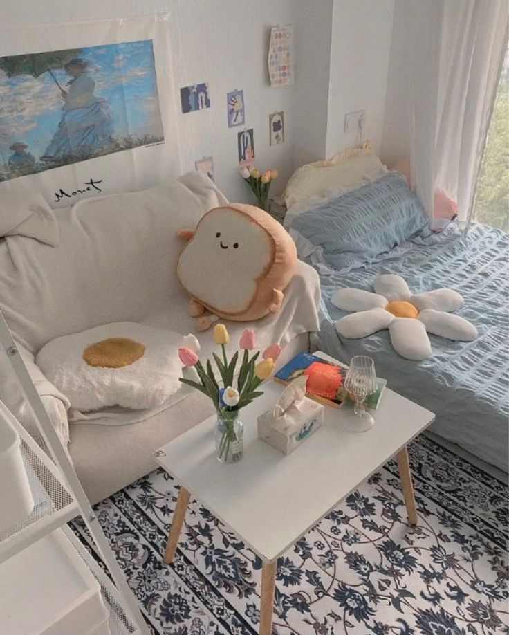 Thiết kế phòng ngủ đẹp cho phòng ngủ nhỏ cho nữ một cách đơn giản sáng tạo màu sắc tươi sáng xanh dương nhạt
