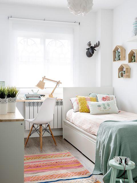 Mẫu phòng ngủ tông màu trắng cho trẻ em diện tích nhỏ đẹp dễ thương